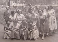 At a highschool around 1955, Blau in the middle row qiute right