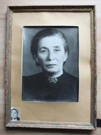 matka pana Lesného, která zahynula v nacistickém vyhlazovacím lágru