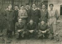 Mikuláš first left with his friends, next to him Kornfeld, then Robi Buchler, first left crouching Dezider Šimko, Topolčany about 1946