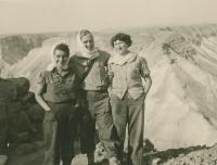 Trip to Masada, Dáša first left, Mikuláš in the centre, about 1953