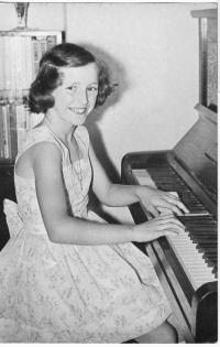 Jana playing the piano 1964