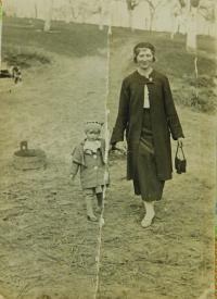 Evženie Hajná with her mother Emílie Hajná in 1936 in České Dorohostaje