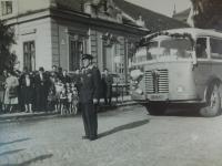 Alois Gruz als Fahrer in ČSAD