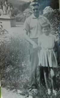 Alois Gruz mit seiner Tochter Ludmila in Javoříčko