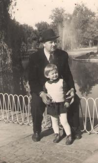 Father Slavoljuv and witness Ruza Kolacek, Danube's Park (Dunavbski Park), Novi Sad, 1959