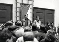 Declaring the strike at FŽUK on the morning of 20.11.1989
