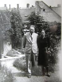 Parents of Zuzana Bartova