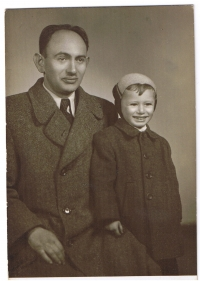 Harry Farkaš with his father in 1952