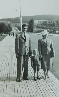 Grandparents with father in Zlín in 1939