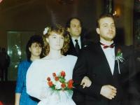 The wedding of Dana and Petra Holubár in 1990, where Stanislav Devátý was their best man