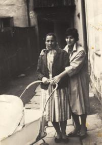 Kleopatra and Irini Stamoblidu, mother and sister of Eleni, 1959, Jeseník