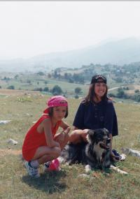 Nina and Sára Jaganjac in Hecegovina (1997)