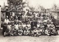 1934, Německá školka, Petr 1. řada dole, 2. zprava