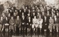 Pohlednice ze Slovenska, mámě 1935, Petr a otec vpravo nahoře