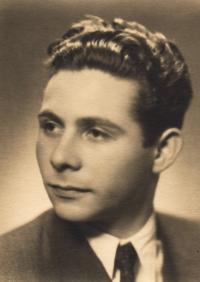 1951, Petr, maturitní foto