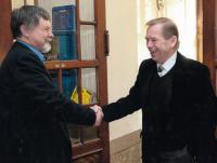 Josef Kovalčuk with Václav Havel at JAMU