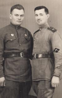 Sovětští vojáci, kteří žili v květnu 1945 u Mojžíšových v Kojetíně