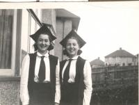 Students of St Hilda´s College, Oxford, Vlastenka (right) and Olička (left) after the graduation ceremony, 1943