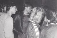 Daniel Kříž (middle), college, 1987
