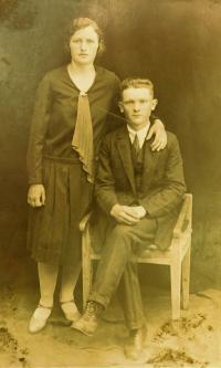 Father Jaroslav Vigner with his sister Anežka (Zemenová), whom the Nazis murdered in Český Malín
