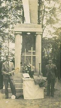 The original cross on the tomb after the burial of the burned and shot victims of Bohemian Malin