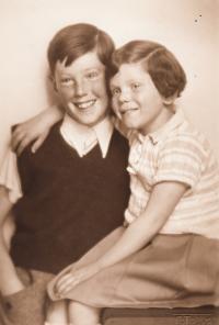 Jan (Roček) and Helga Robitschkovi 1936