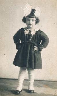 Jitka's mother Věra, 1917