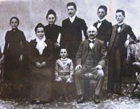 Fathers´ family - Hahn