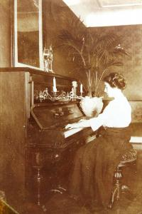 Mother Zdenka Ascher-Kohn as a young girl, cca 1910