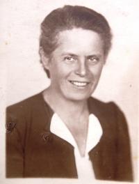 Lenka Neumann, fellow prisoner of Ruth in Ravensbrück. Photo taken after the war.