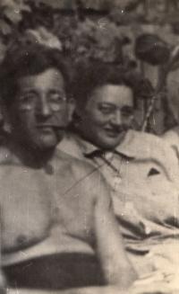 Parents, 1941