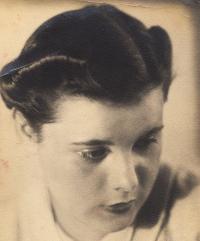 Rosalie, aunt