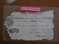 Originál padělané bankovky, vylovené z Toplitzského jezera