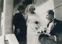 Father (right) with sister and father, Skopje 1932