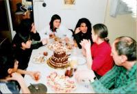 Věruška slaví 18.narozeniny, vedle ní její matka, Vrchlabí 2008