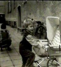 Hana se synem Petrem, Vrchlabí asi 1981
