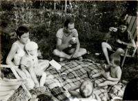 Hana u přátel v NDR, v rodině faráře Markuse Meckela, později ministra zahraničí