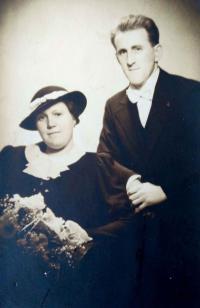 Parents August Masár and Karolína Masárová (30´s)