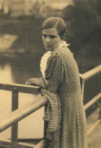 Matka pamětníka Věra Diasová, rok 1936