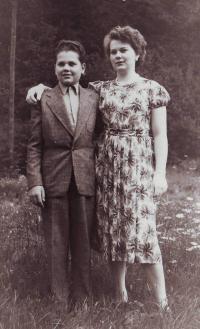 Edeltraud Molzer (Slabáková) with his brother Karl