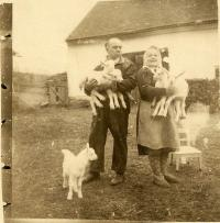 Parents Charles and Marie Molzer