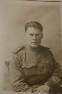 A portrait of the soviet officer dedicated to the witness.