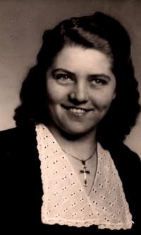 Profile photo, late 40-ties