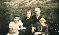 Lotte Kozová with parents and brother Bernhard on a trip in Sinevir vicinity - 1941