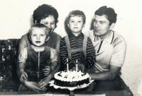 Rok 1971, Radek s rodiči a bratrem