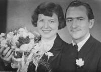Svatební foto, Mirko Schmidt a Olga, rozená Holečková