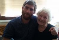 Olga s nevlastním vnukem Maxem