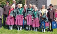 Choir Der Adlergebirgler, choirmaster Alois Galle on the left