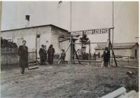 Work camp in Leskovice, Vlastimila Holakovská's father is on the left