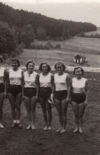 1950 National team, Hana 3rd from right